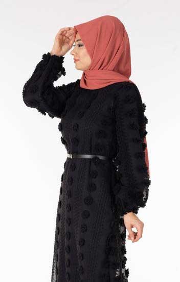 Efulim - Siyah Dantelli Ponponlu Tesettür Elbise Efl5610-1 (1)